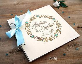 Papiernictvo - Svadobná kniha hostí, drevený fotoalbum - venček - 9543252_