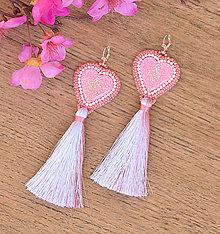 Náušnice - Srdiečkové náušnice ružové so strapcom - 9541386_