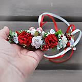 Venček s ružičkami a malinami, červeno- biely