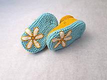 Topánočky - FROM YOU: Žĺtkové sandálky s kvetinkami - 9547979_