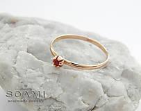Prstene - 14k zlatý ružový rozkošný prsteň s prírodným rubínom - 9551680_