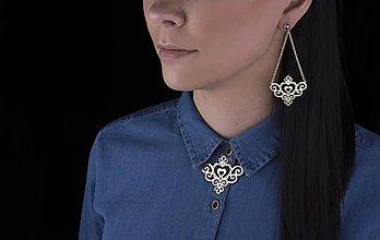 Náhrdelníky - Náhrdelník SLovenská ornamentika srdiečko  - krátky,  farebne varianty - 9551835_