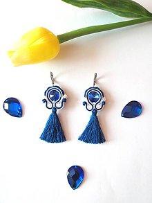 Náušnice - Modré šujtášové náušnice s mini-hodvábným strapcom - 9550139_