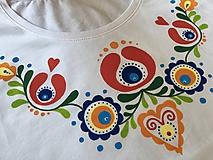 Tričká - Maľované dámske pestrofarebné folk tričko - 9550685_