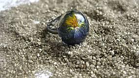 Prstene - Živicový prsteň s kvietkami (so sirôtkou č. 2135) - 9556477_