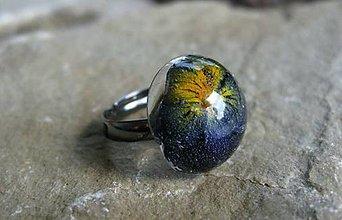 Prstene - Živicový prsteň s kvietkami (so sirôtkou č. 2135) - 9556475_
