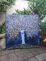 Strom plný lásky a blahobytu