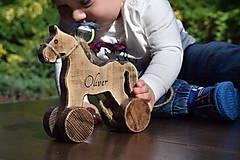 Hračky - Drevený koník - 9560324_