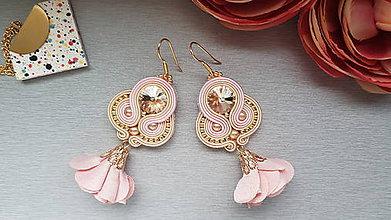 Náušnice - Štebotavé lupene (s ružovou) - 9560086_