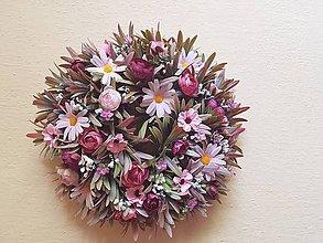 Dekorácie - veniec ružovo-bordový trávový - 9561194_