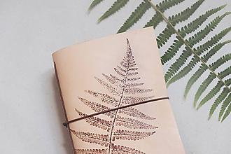 Papiernictvo - Kožený zápisník A6 BOTANIC (reálna papraď) - 9563482_