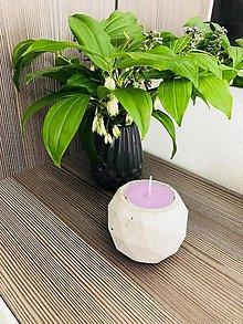 Svietidlá a sviečky - Levandulka v betóne - 9562908_