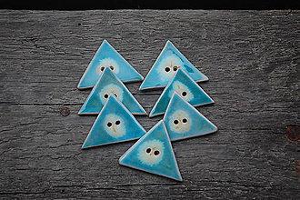Materiál ručne robený - Gombík-trojuholník - 9560337_