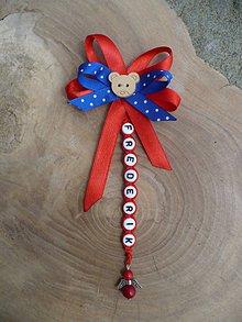 Odznaky/Brošne - mašlička na kočík s menom a anjelom z Koralu - 9562803_