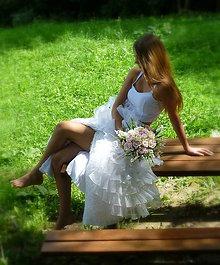 Dekorácie - svadobná kytica: ružové ruže v objatí konvaliniek - 9564566_