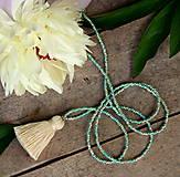 Náhrdelníky - Tropica náhrdelník-béžový strapček - 9565796_