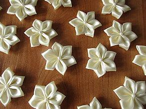 Materiál ručne robený - Kvety na výzdobu MALÉ (Krémová Ivory) - 9566630_
