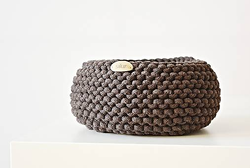 Pletený košík - hnedý