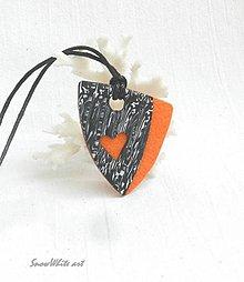 Náhrdelníky - Čierno-oranžový prívesok - 9563784_