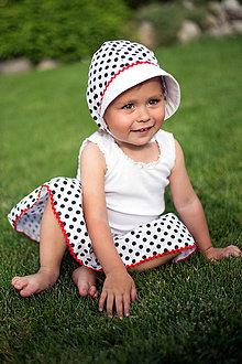 Detské súpravy - Čepček + sukienka Bodka - 9564166_