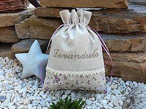 Úžitkový textil - Vrecúško na bylinky s fialovými kvietkami + vyšívaný nápis - 9564165_