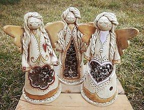 Svietidlá a sviečky - Keramický anjel s cínom - svietnik - 9567250_