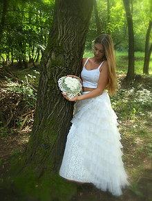Dekorácie - svadobná dekorácia: srdce z bielych ruží - 9569738_