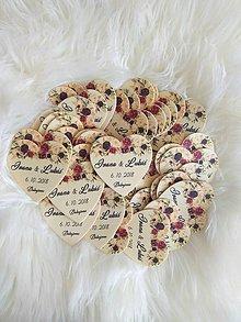 Darčeky pre svadobčanov - Magnetka pre hostí v tvare srdiečka - 9571428_