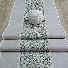 Úžitkový textil - Drobné zelené ružičky na režnej(1) - stredový obrus  (140 cm x 40 cm) - 9571518_