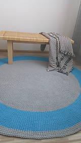 Úžitkový textil - Ručne háčkovaný koberec - šedá, azúrovo modrá - 9572242_