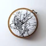 Hodiny - Prešov, ručne vyšívané nástenné hodiny - 9575323_