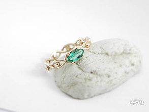 Prstene - 585/14k zlaty prsteň s prírodným smaragdom - 9578214_