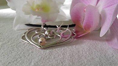 Náhrdelníky - Strieborný prívesok s riečnou perlou - 9579023_