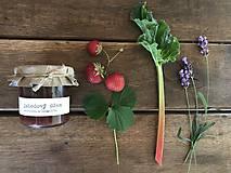 Jahodový džem s rebarborou a levanduľou