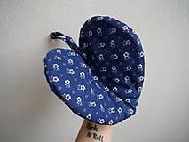 Úžitkový textil - Srdiečková chňapka (modro-biela) - 9581506_