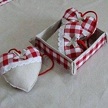 Úžitkový textil - Červené káro - dekoračné srdiečko 13x13 - 9580601_
