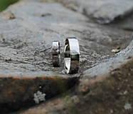 Prstene - Obrúčky tepané s perlou - 9581712_