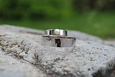 Prstene - Obrúčky tepané s perlou - 9581716_
