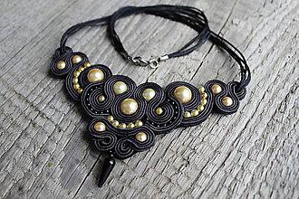 Náhrdelníky - šujtáš náhrdelník čierny (Zlatá) - 9583798_
