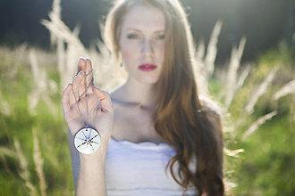 Náhrdelníky - Sluneční čas (náhrdelník s platinou) - 9584558_