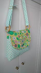 Detské tašky - Detská taška na plece s kvietkami - 9583836_