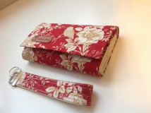 Peňaženky - Peňaženka- zlaté ruže - sada s kľúčenkou (Červená) - 9581670_