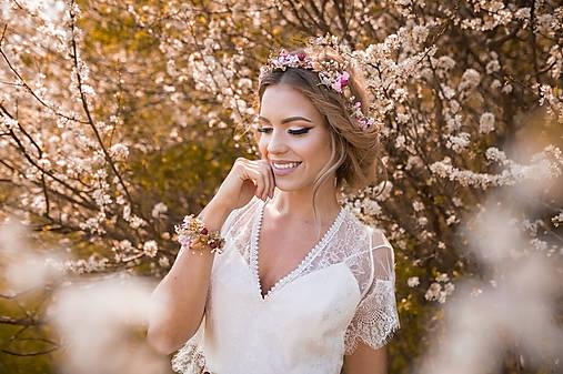 """Kvetinový náramok """"šťastie, ktoré potrebujem"""""""