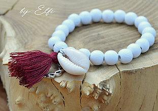 """Náramky - """"Bohochic"""" náramky z drevených korálok (biela farba) (bordový strapec,zapletaný kruh) - 9584446_"""