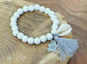 """Náramky - """"Bohochic"""" náramky z drevených korálok (biela farba) (šedý strapec,macko) - 9584451_"""