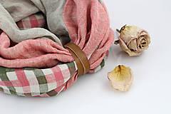 Šatky - Trojfarebný jemný nákrčník z ľanu s koženým remienkom - 9586780_