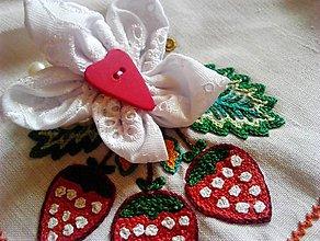 Náramky - náramok s perlami a kvietkom pre deti - 9585451_