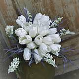Dekorácie - Kytica z bielych tulipánov... - 9588058_