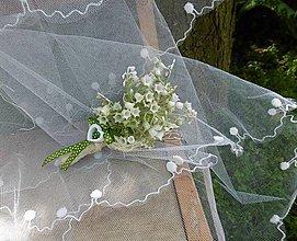 Dekorácie - svadobné pierko pre ženícha: konvalinkové - 9590131_