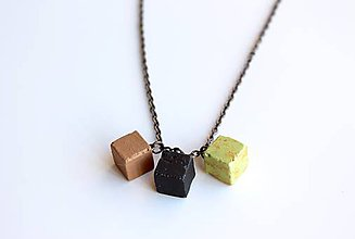 Náhrdelníky - Betónový náhrdelník kocky - 9589050_